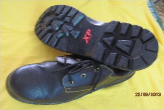 Giày bảo hộ lao động XP đỏ